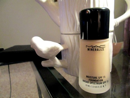 MAC Mineralize Foundation SPF