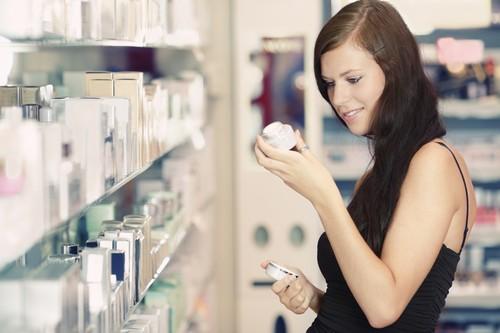 как правильно выбрать косметику  с гиалуроновой кислотой