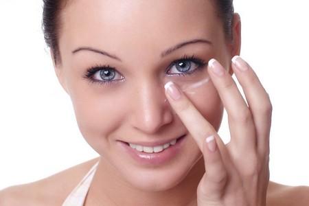 Лифтинг крем для кожи вокруг глаз